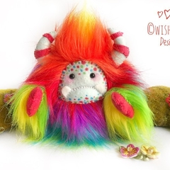 "Rainbow yeti, artist bear, monster plush ""Lorrie"""