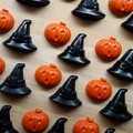 Halloween Crayon Party Bags - 2 pack - Pumpkin & Witch hat crayons