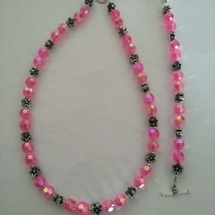 Brand New Handmade Pink Young Girls Necklace and  Bracelet Set