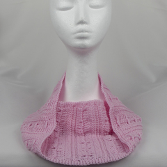 Cowl 100% Australian wool in pretty pink