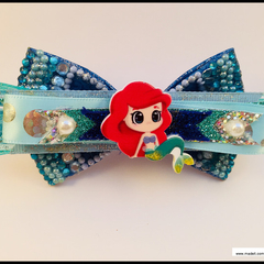 Ariel 'The Little Mermaid' Hair Bow comes with a Barrette Snap Clip.