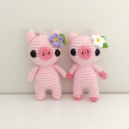 Mini crochet pig toy plush, pig keyring keychain