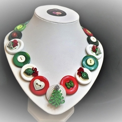 Button necklace - Trim the Tree