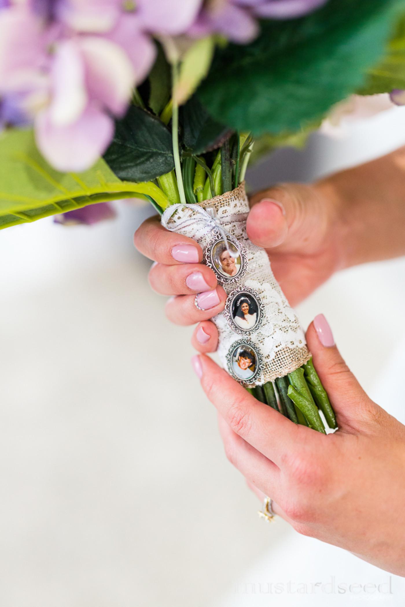 Single photo memory bouquet charm Single Bouquet Photo Charm Bridal flower bouquet keepsake charm bride photo keepsake pendant gift.