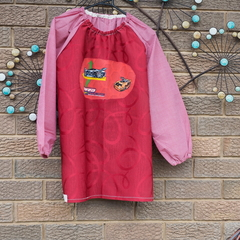 Art smock age 9 - 12 years Hot Wheels
