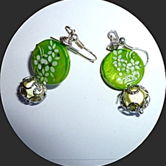 Mother of pearl green earrings