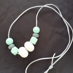 Silicon bead necklace - BPA free - Turquoise, grey and white - adjustable