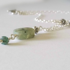 Prehnite & silver dangle necklace