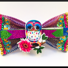 Sweet Little Owl on a Branch Hair Bow comes as a beautiful hair tie.