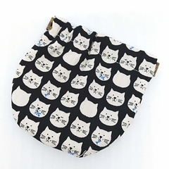 Squeeze Pouch / Cat - Black x white