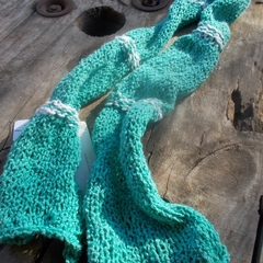 "knitted scarf ""puckered"" made from 100% cotton. Green and white"