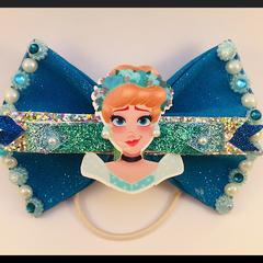 Princess Cinderella Hair Bow comes as a beautiful hair tie elastic
