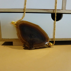 Recycled agate in earthy tones, on gold chain