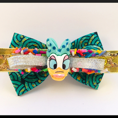 Disney Daisy the DUCK, Hair Bow comes as a beautiful hair clip.