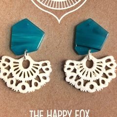 FREE POST: Lacy Aquamarine  Tassel Earring