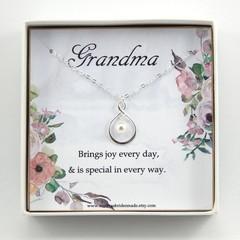 Grandma Necklace,Grandmother Gift, Grandma of the Bride Gift,New Grandmother Gif