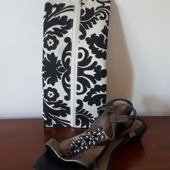 SHOE /TRAVEL BAG - Black and Cream
