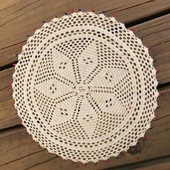 Round Flower Table Mat