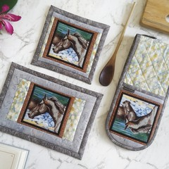 Horse Potholders and Quilted Hot Pad Set - Horse Gift