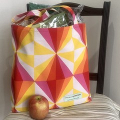 Shopping or general-purpose tote bag – bright triangle fabric red lining
