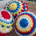 Crocheted Christmas baubles in 100% wool (set of 3)