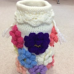 Crocheted Dahlia Holdall