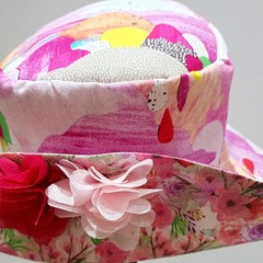 RAINBOW WIDE BRIMMED SUN HAT