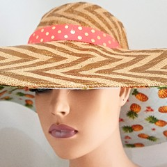 GOLD PRINT HESSIAN SUPER LARGE SUN HAT