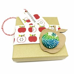 Apple for the Teacher Brooch - Green Blossom