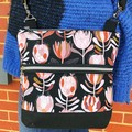 Protea black  - Crossbody Handbag