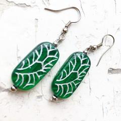 Beautiful Emerald Green Czech Glass Slab Silver Deco Flower Pattern Earrings