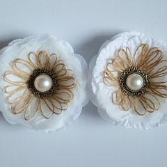 Antique Pearl & Burlap Loop Fringe Flowers