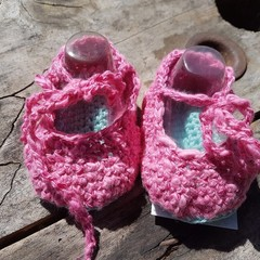 "crochet baby shoes ""dancing feet"" 100% cotton pink and blue"