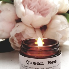 Queen bee beeswax candle