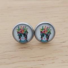Glass dome stud earrings Cat