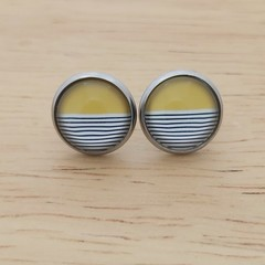 Glass dome stud earrings yellow with stripes