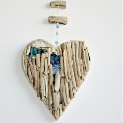 Driftwood heart with artglass