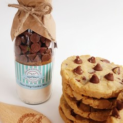 LARGE CHOC CHIP Cookie Mix in a bottle. Makes 12 delicious cookies.