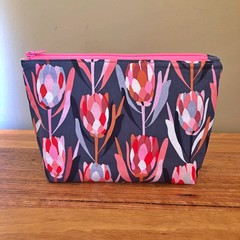Essential Oil Pouch -Protea