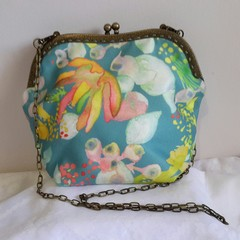 Wavy Frame Handbag with Wildflowers