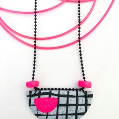 'OK 80s' Neon Clay-Canvas Necklace (v)