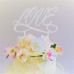 Love cake topper - Assorted materials
