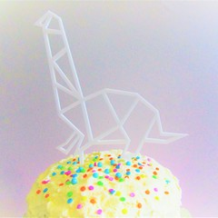 Dinosaur cake topper - Assorted materials - Brachiosaurus