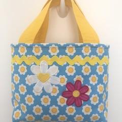 Child's handbag – tote style – daisies