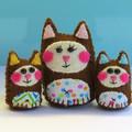Miniature Felt Cat Family - Kitty Mother and Baby Kitten Mini Toys