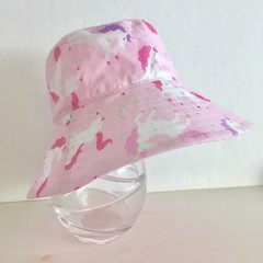 Girls summer hat in unicorns & glitter fabric