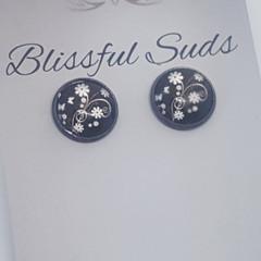 12mm Glass Stud Gun Black Glass Insert Black and White Flower Earrings (item #1)
