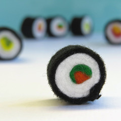 Sushi Rolls Miniature - 6 Wool felt sushi - Tiny felt food toy