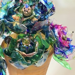 Ecofriendly blooms - peacock tones