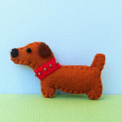 Felt Dachshund Dog - Brooch or Magnet